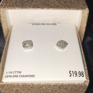 BRILLIANCE STERLING SILVER EARRING